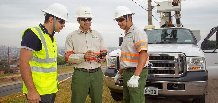 Notícias - Fornecedores - Neoenergia distributors remove more than 70 thousand irregular energy connections